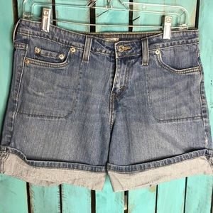 Levi's 545 shorts size 6. Nice condition.
